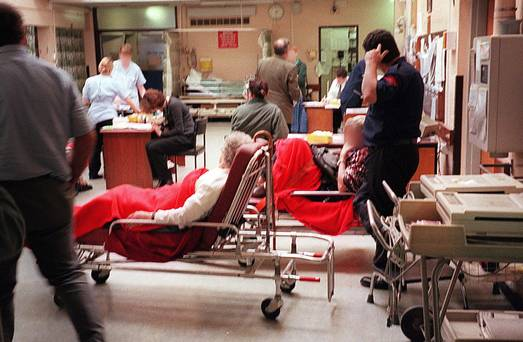 Crisis in hospitals; fund services and decent wages.